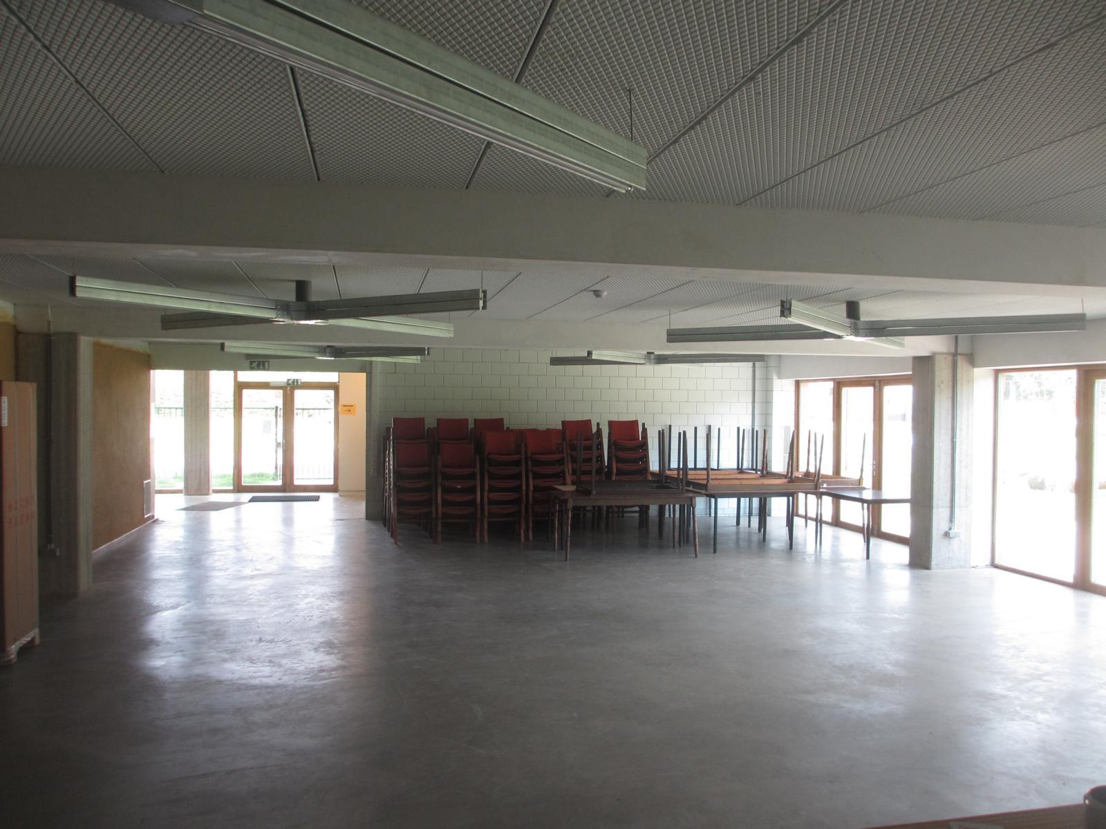 Zaal (naast toog)